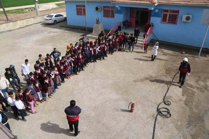 Öğrencilere sivil savunma ve yangın eğitimi