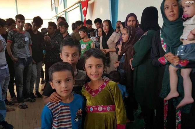 Afgan göçmenler sınır dışı edildi