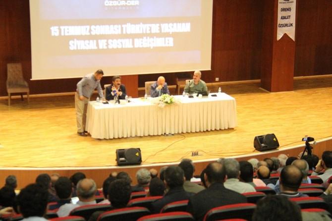 """""""15 Temmuz Sonrası Yaşanan Siyasal Ve Sosyal Değişimler"""" paneli başladı"""