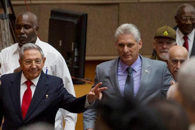 Küba'da Castro'lar dönemi sona erdi