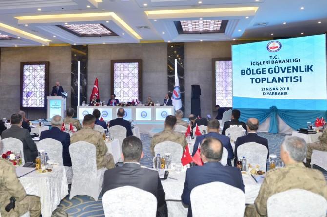 """Diyarbakır'da """"Bölge Güvenlik Toplantısı"""" yapıldı"""