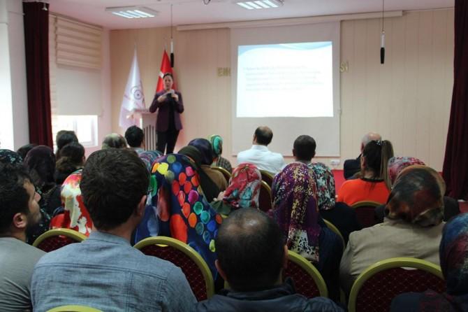 Engelsiz Yaşam Akademisinde otizm spektrum bozukluğu semineri