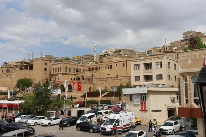 Çatıdan düşerek ağır yaralanan polis hayatını kaybetti