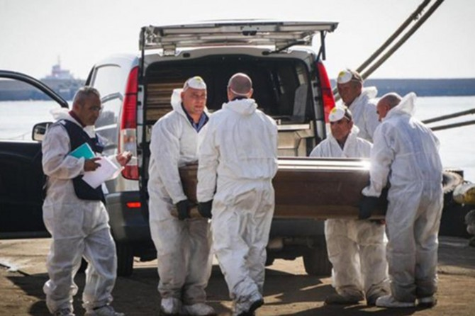 """Akdeniz """"ölüm denizi""""ne dönüştü: 900 ölü"""