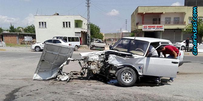 Çınar'da iki otomobil çarpıştı; 4 yaralı