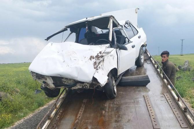 Çınar Belitaş (Xırbesitıl) yakınlarında otomobil takla attı: 2 yaralı