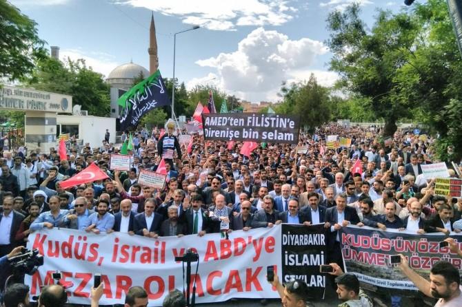 Siyonist katillere Diyarbakır'dan lanet yağdı