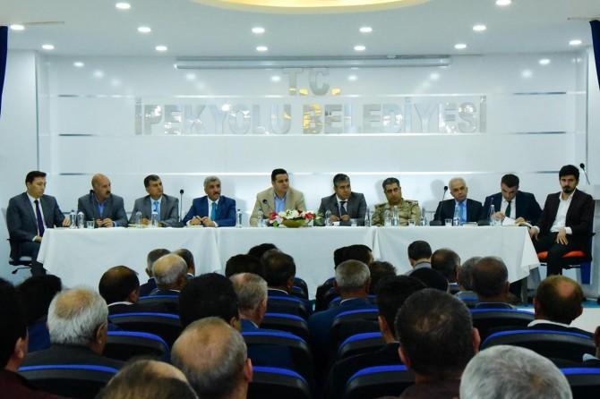 İpekyolu Belediyesinde muhtarlar toplantısı yapıldı