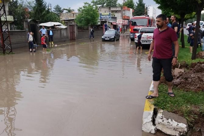 Batman'da şiddetli yağmur birçok evi su altında bıraktı
