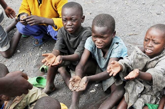 Kongo'da 400 bin çocuk açlıktan ölebilir