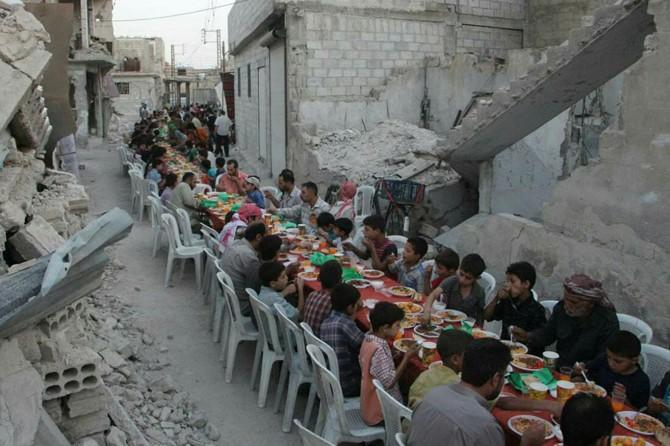 65 milyondan fazla insan evinde iftar yapamayacak