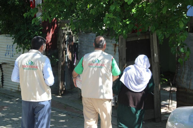 IHO-EBRAR'dan Bingöl'e Ramazan yardımı