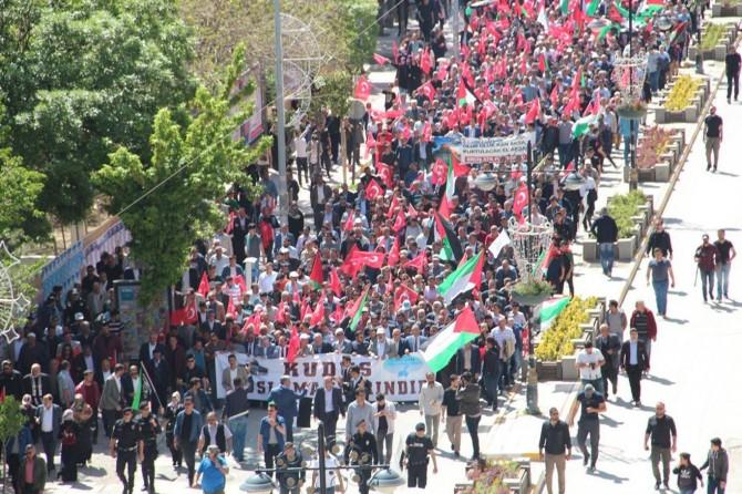 Van'da binlerce kişi Kudüs için yürüdü