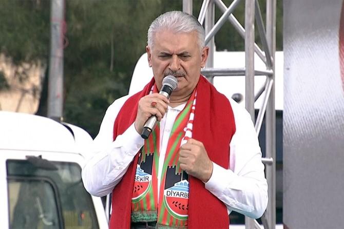 Başbakan Yıldırım Diyarbakır'da Kudüs mitinginde konuştu