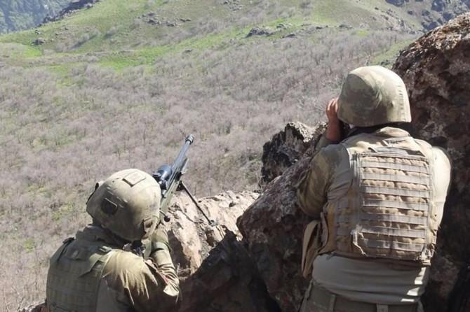 Kars ve Siirt'te 15 PKK'li öldürüldü
