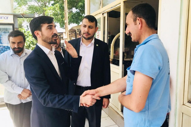 HÜDA PAR adayı Baylan: Vatandaş 'Büyükşehir Yasası'ndan şikâyetçi