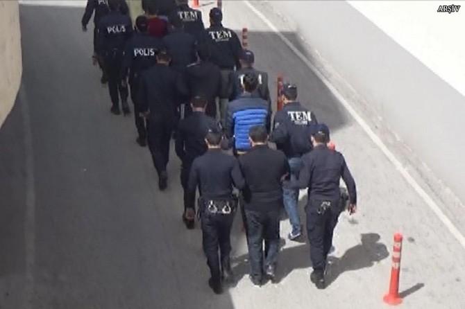 Yunanistan'a kaçmak isteyen 26 FETÖ şüphelisi yakalandı
