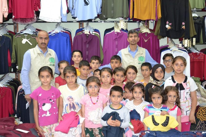 Umut Kervanı Siverek'te 200 yetim çocuğu giydirdi
