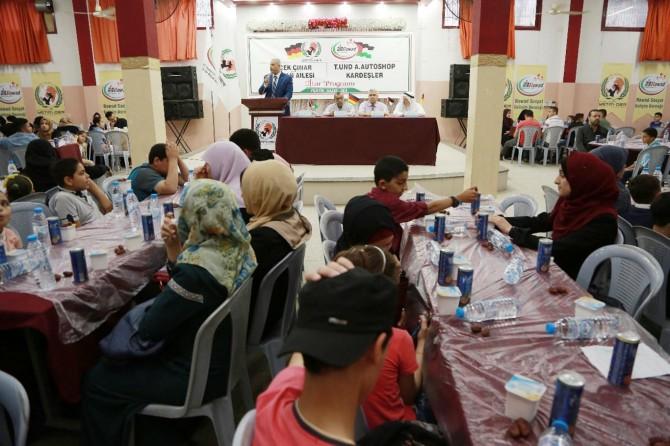 """Avrupa Yetim-Der Gazze'de """"Rahmet Sofrası"""" kurdu"""
