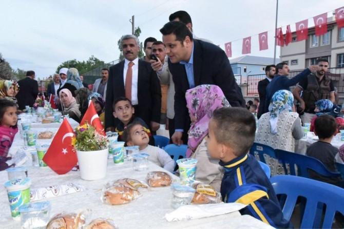 Van Büyükşehir Belediyesinden mahallelere iftar sofrası