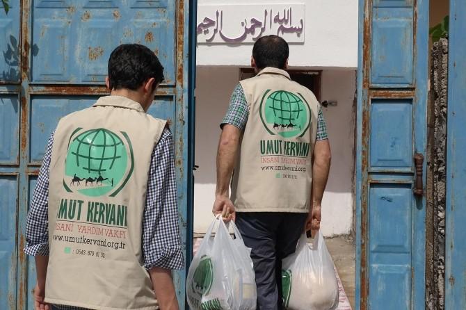 Umut Kervanı Ramazan yardımlarını sürdürüyor