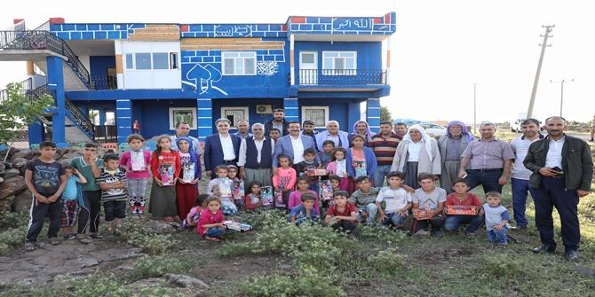 Büyükşehir Belediye Başkanı Çınar'ın köylerini ziyaret etti