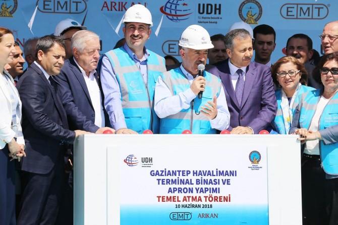 Gaziantep havalimanı yeni terminal binasının temeli atıldı
