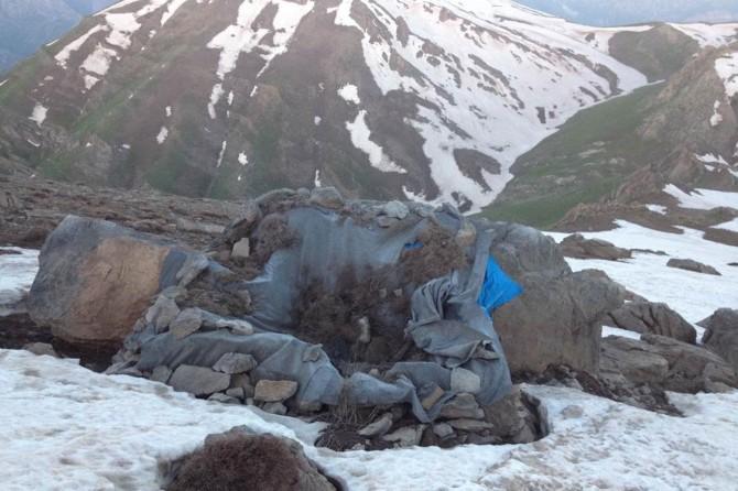 Hakkari'de PKK'ye ait silah ve mühimmatlar ele geçirildi