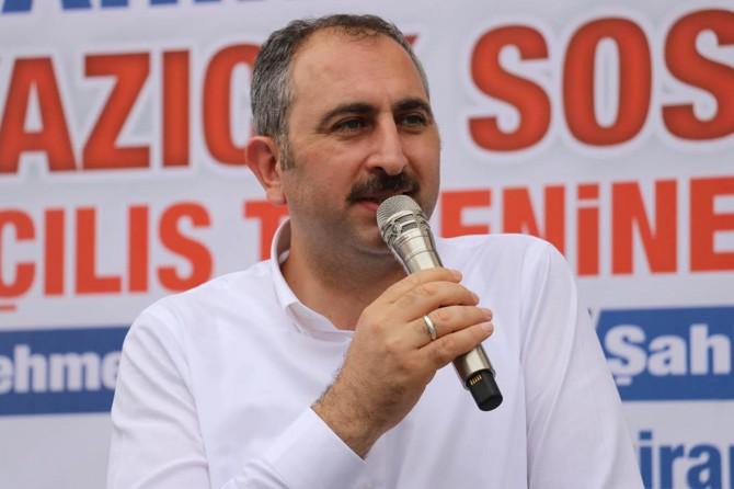 Adalet Bakanı Gül: Gençlere yapılan yatırım her şeyin üstündedir