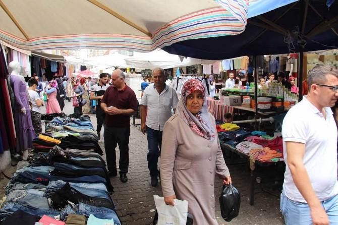 Diyarbakır'da çarşılarda bayram hareketliliği