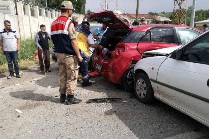 Elazığ'da kaza: 2'si ağır 5 yaralı