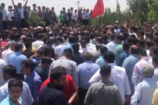 Suruç'ta öldürülen milletvekili Yıldız'ın ağabeyi defnedildi