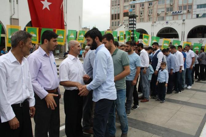 HÜDA PAR Mersin'de halkla bayramlaşma programı düzenledi
