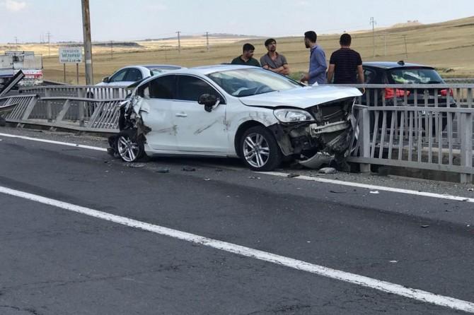 Diyarbakır'da Yenişehir Belediyesi Fidanlık Piknik Alanı civarında trafik kazası: 2 yaralı