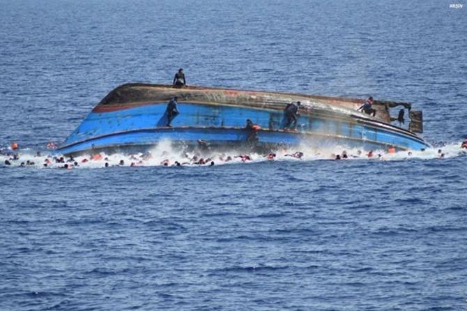 Endonezya'da tekne alabora oldu: 178 kişi kayıp