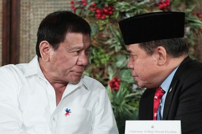 Duterte Bangsamoro Eyalet Anayasası'nın kopyasını aldı