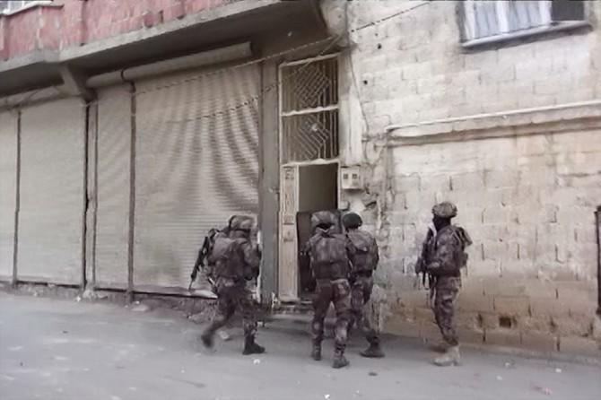 Sosyal medyada PKK propagandasına 12 gözaltı