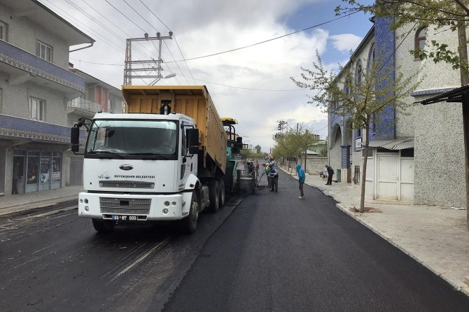 Van'da yol asfalt çalışmaları devam ediyor