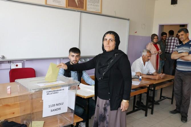Bingöl'de ilk oylar kullanılmaya başlanıldı