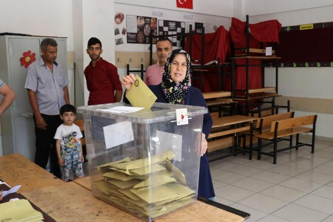 Gaziantepliler seçime yoğun ilgi gösterdi
