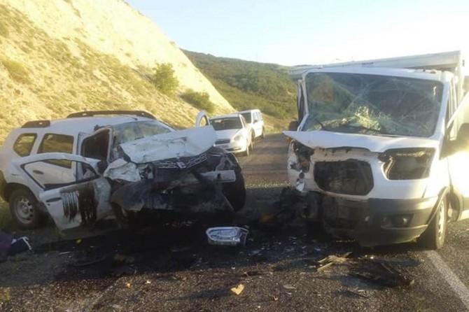 Bingöl Adaklı'da trafik kazası: 2 ölü, 1 yaralı