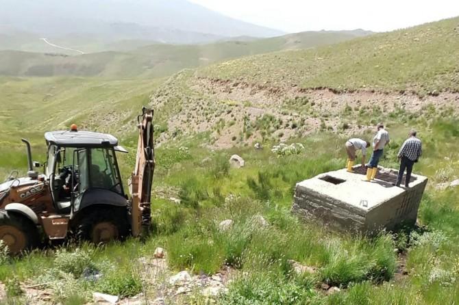 Erciş'te içme suyu isale hattı tahrip edildi