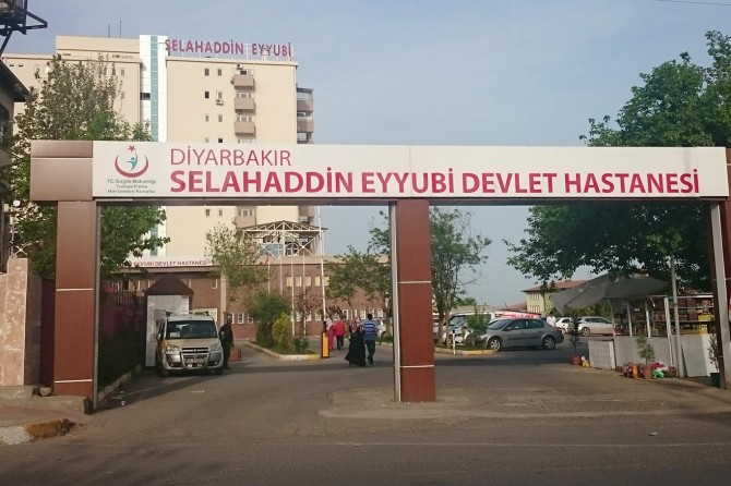 Lice'de PKK tarafından katledilen baba-oğul otopsi için Diyarbakır'a getirildi