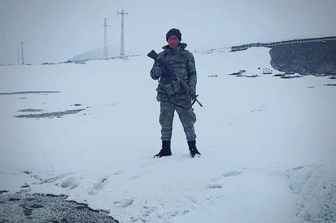 İzne gelen asker Ağrı'daki kazada hayatını kaybetti