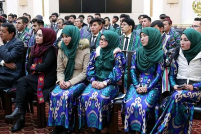 Uzbekistan's Council of Ministers bans headscarves at middle schools