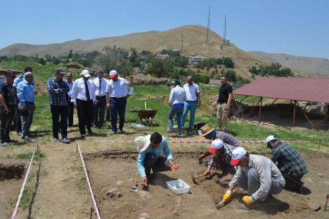 Bitlis Kalesinde yeniden kazı çalışmalarına başlandı
