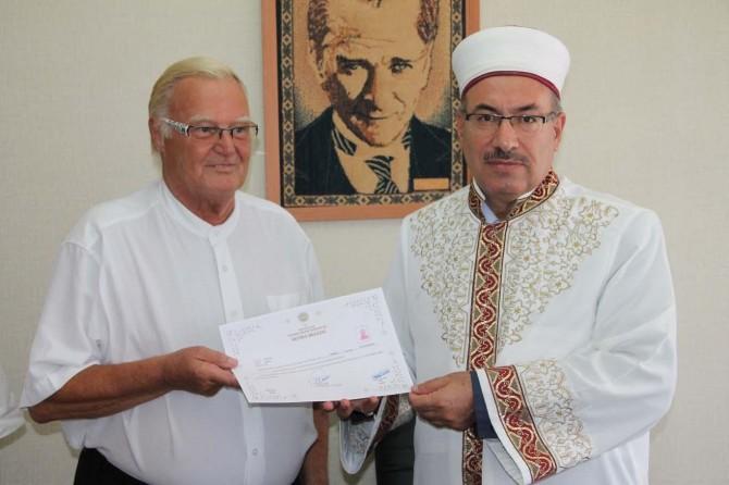Mardin'e gelen Alman vatandaşı Müslüman oldu