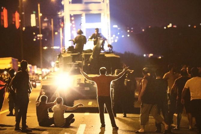 İstanbul'da 15 Temmuz fotoğraflarla anlatılıyor