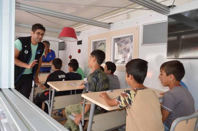 AFAD, Bitlis'te çocukları depreme karşı bilinçlendirdi