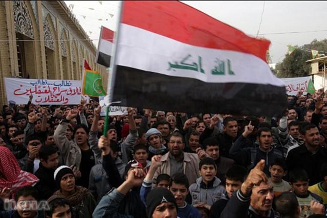 Irak'ta protestolar sürüyor: 5 ölü 190 yaralı